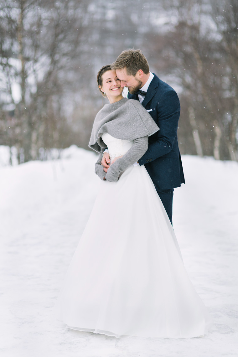 WinterWedding-Snow